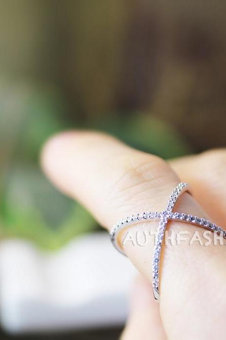 Circle Round X Cross Ring Unique Crystal Jewelry Silver Plated Gift Idea